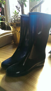 Girls Rubber Boots; size 6