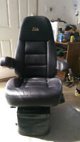 Air ride Sears Elite Seat. Full FeaturesREDUCED TO $700.00