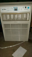 9000 BTU upright air conditioning unit with remote