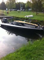 19' bass boat