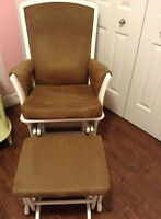 Baby's room Delta Eclipse rocking chair and Ottoman Set