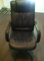 LEATHER CHAIR WITH HEAD SUPPORT OFFICE OR DECOR
