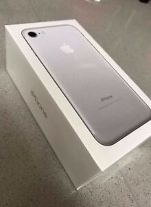 Rogers Iphone 7 32gb silver brand new  unopenend in box