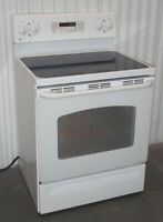 GE Stove Excellent Condition, Self-clean, Convection