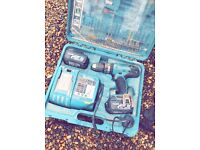 Makita Cordless 18V Li-Ion Combi Drill in Case (some accessory pieces missing£