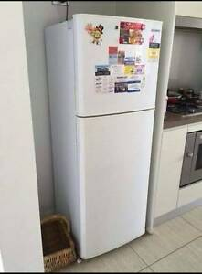 236L SAMSUNG fridge for sale free delivery Narwee Canterbury Area Preview