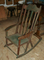 ANTIQUE CHAISE BERCEUSE
