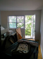 Cote Des Neiges 2 1/2 Hot Water And Electricity Included!!