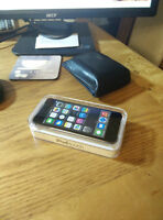 iPod touch 32GB Space Grey 5th generation