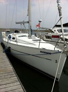 33' Sailboat - 2007  Beneteau 323