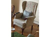 A EXCELLENT QUALITY H.S.L FABRIC & TEAK FIRESIDE/OCCASIONAL CHAIR IN GREAT PRE-LOVED CONDITION