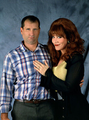 Married...with Children UNSIGNED photograph - L4424 - Katey Sagal and Ed O'Neill