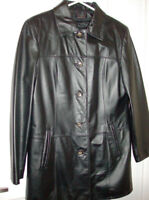 (NEW) Danier Leather Ladies Coat with Zip our Lining Size 10/12