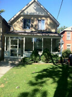 Great 3 Floor - 3 Bedroom Apart Downtown - July 1st - $1350 Incl