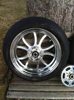 YAMAHA R1 PERFORMANCE MACHINE WHEELS WITH RACE TIRES