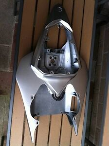 YAMAHA R6 06-07 PARTING OUT IN SILVER Windsor Region Ontario image 3