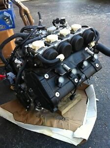 YAMAHA R6 2007 COMPLETE ENGINE CARBURATORS  WITH ONLY 1900MI Windsor Region Ontario image 6