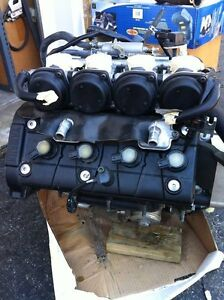 YAMAHA R6 2007 COMPLETE ENGINE CARBURATORS  WITH ONLY 1900MI Windsor Region Ontario image 1