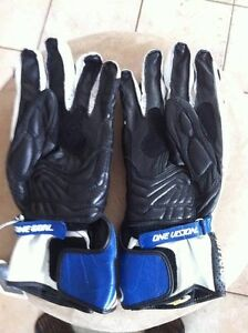 ALPINESTARS GP PLUS GLOVES NEW SIZE M Windsor Region Ontario image 6