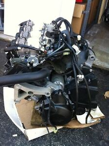 YAMAHA R6 2007 COMPLETE ENGINE CARBURATORS  WITH ONLY 1900MI Windsor Region Ontario image 2