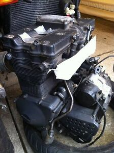 GSXR750 91 ENGINE WITH THE OIL LINES Windsor Region Ontario image 4
