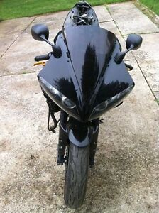 2006 Yamaha YZF-R1  RAVEN LIMITED EDDITION PARTING IT OUT