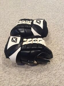 New Hockey Gloves 13""