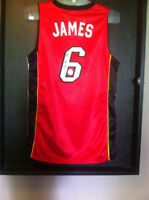 SIGNED LEBRON JAMES MIAMI BASKETBAL JERSEY COMES WITH COA ACC