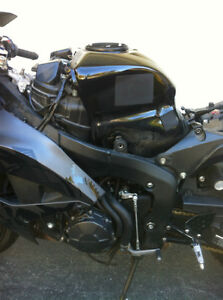 PARTING OUT A 2008 HONDA CBR600RR WITH  2000 MILES Windsor Region Ontario image 5