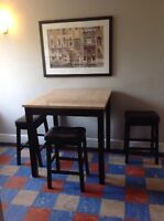 Pub Style Dinette Table w 4 Bar Stools
