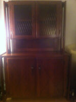 Liquor and Glass + storage cabinet in 2 pieces - Great condition