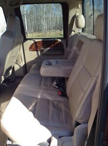 Ford Super Duty F350 V8 Fully loaded Lariat leather and 4X4 Strathcona County Edmonton Area image 6