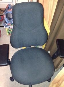 Executive Office Chair ~ High End ~ Excellent Quality.