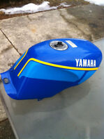 YAMAHA RZ350 89-90 FUEL GAS TANK 86-87-88 WITH GAS CAP AND BRACK