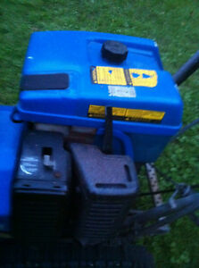 4YAMAHA YS624/828 SNOWBLOWER THROWER WITH TRACKS  LIKE HONDA HS