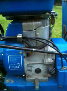 YAMAHA SNOWBLOWER THROWER YS624 WITH  STEEL TANK AND TRACKS Windsor Region Ontario image 3