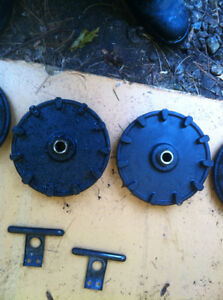 YAMAHA YS624 SNOW BLOWER WHEEL COGS CABLE COVER AND SHOOT SHAFT Windsor Region Ontario image 4