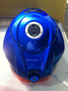 GSXR1000 SUZUKI 07-08 FUEL GAS TANK COMPLETE WITH FUEL PUMP Windsor Region Ontario image 3