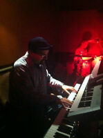 Keyboardist/pianist available