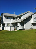 Southview Garden- Renovated Millwoods 3 Bedroom Townhome