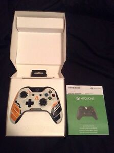 Xbox One MINT* 2 Controllers & 6 Games  Cambridge Kitchener Area image 5