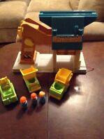 Vintage Fisher Price Little people Lift and Load