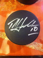 DALE HAWERCHUK -   AUTOGRAPHED HOCKEY PUCK.