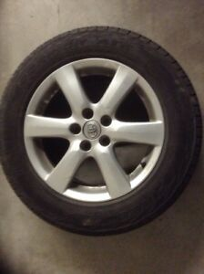 Toyota Rav4 mags like new with Summer tires 225/65/17