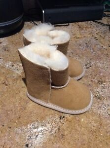 Authentic uggs St. John's Newfoundland image 2