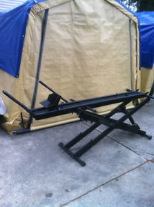 KENDON STAND-UP CHOPPER MOTORCYCLE LIFT MADE IN USA Windsor Region Ontario image 1