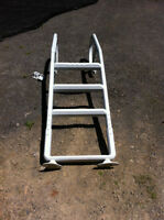 27' round pool accesories (Ladder, Pump, light, cover....)