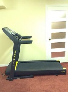 Excellent Condition Live Strong Treadmill 8.0!