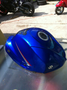 GSXR1000 SUZUKI 07-08 FUEL GAS TANK COMPLETE WITH FUEL PUMP Windsor Region Ontario image 1