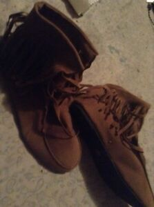 Knock off Moccasins Stratford Kitchener Area image 2
